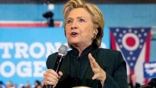 Hillary Clinton works to tie Donald Trump to Putin