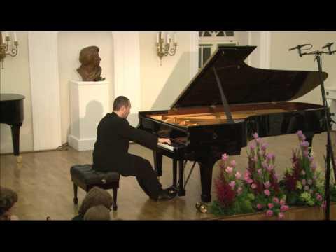 Antonio Pompa-Baldi plays Claude Debussy's Suite Bergamasque