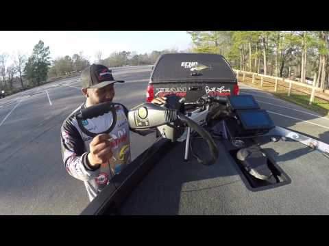 BassMaster Elite angler Mark Daniels Jr. On Bobs Big D Trolling motor handle