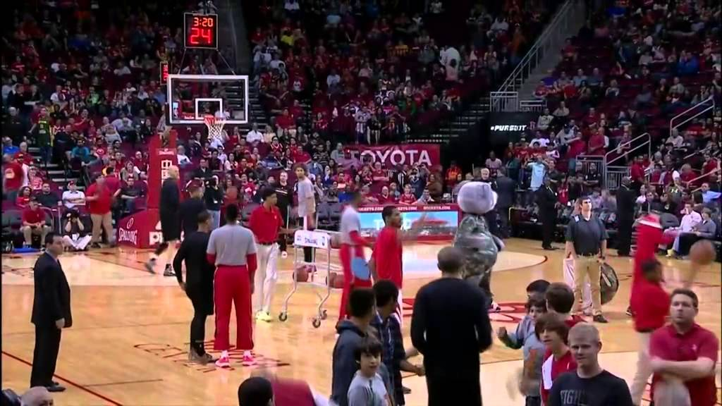 Robin Lopez VS. Clutch The Houston Rockets Mascot