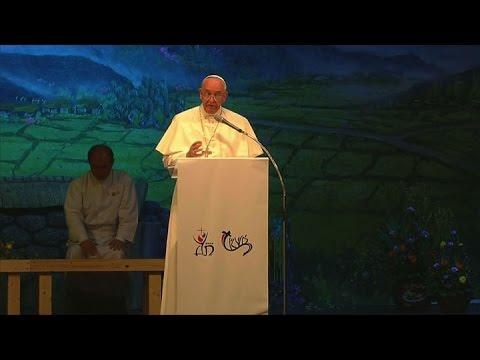 """En Corea del Sur, el Papa pidió rechazar """"modelos económicos inhumanos"""""""