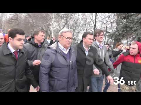 Проект 60sec №306. Касьянову в Перми подарили ватник