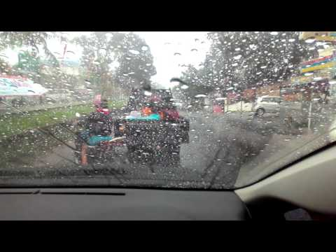 61+ Gambar Anak Kecil Kehujanan Terbaik