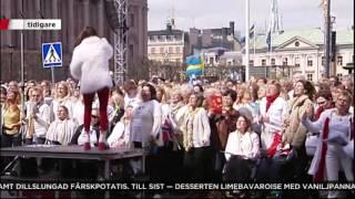 Hurra hurra hurra - Caroline af Ugglas med kör sjöng för kungen - Nyheterna (TV4)