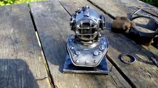 Шлем водолаза на подставке.Ресайкларт.