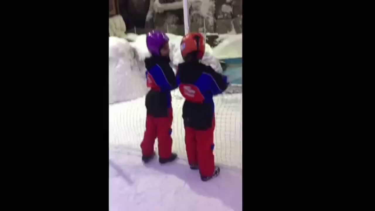 القرية الثلجية مجمع مول الامارات دبي مدينة الثلجية Youtube
