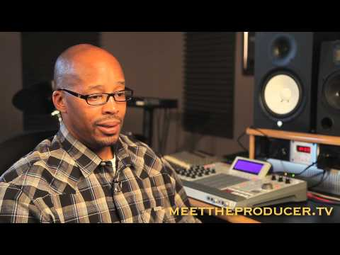 Warren G. Talks About Working with Tupac for the first time!