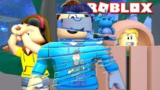 I'M A GLITCH! | Roblox Hide and Seek Ultimate w/ Lastic and Chad! | MicroGuardian