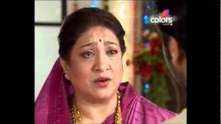 Dutta scene221 - Dutta angry at Baji and asking Aayi questions.