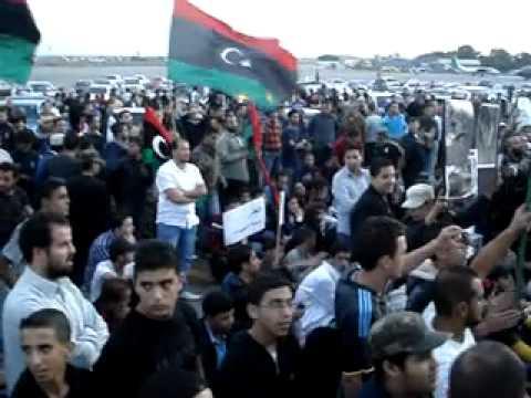 سوق الجمعة  إعتصام في مطار معيتيقه 2