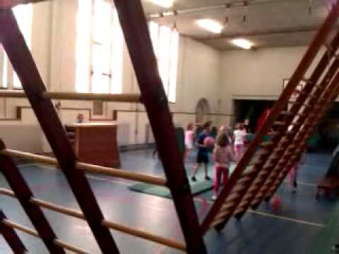 Hedendaags Groep 3-4 doet het James Bond spel bij gym! - YouTube UJ-04