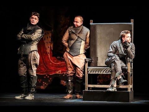 Стоит ли идти на «Гамлета» с Александром Петровым в главной роли?