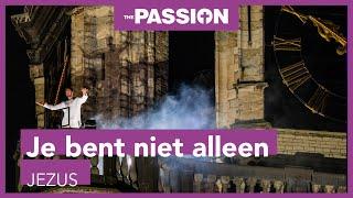 The Passion gemist? Edwin Jonker zingt slotlied Je bent niet alleen