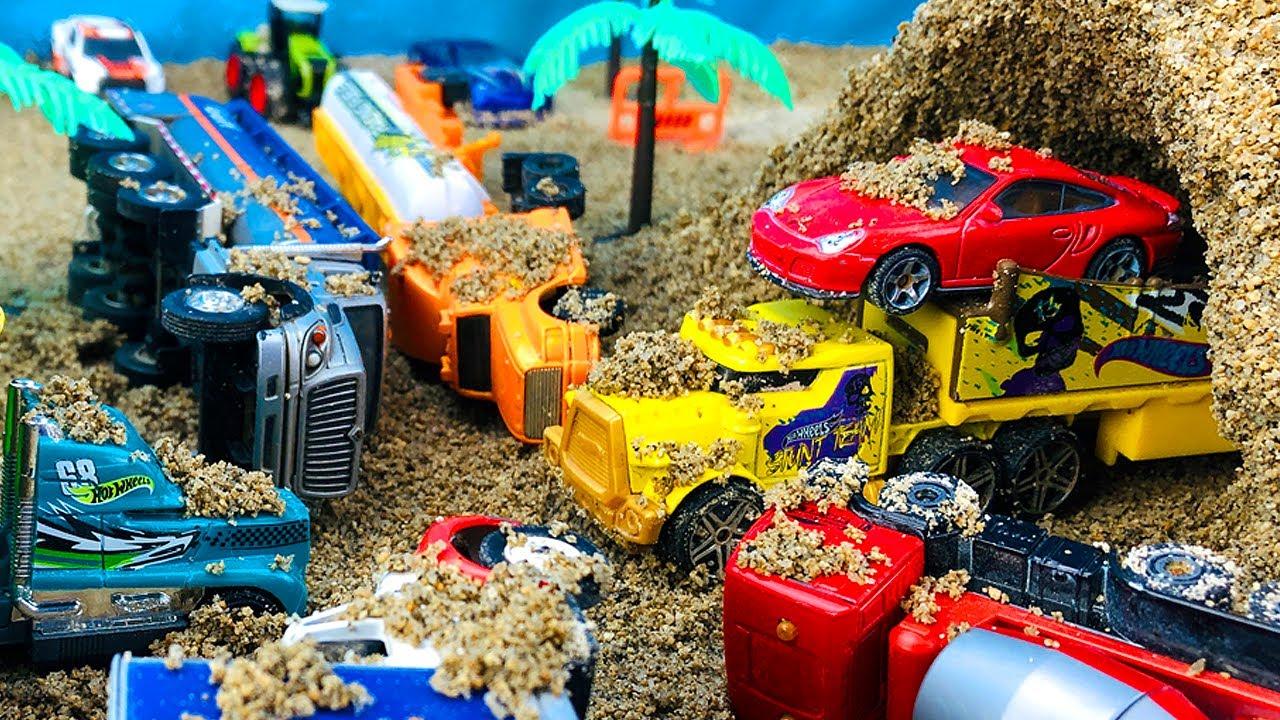 Camiones Infantiles - Choque de Carros en Autopista - Camión Transportador de Carritos para Niños