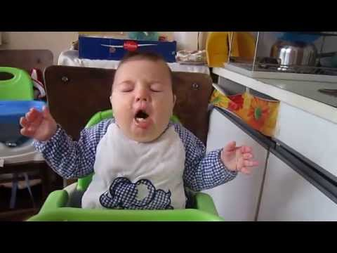 BLW Baby Yavor GAGGING (thank you for the correction - not choking) 2014 06 20