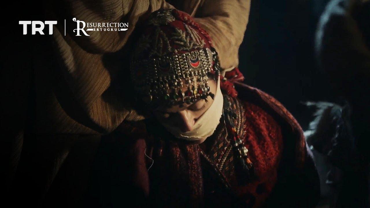 Efrasiyab kidnaps Selcan and helps Hamza escape