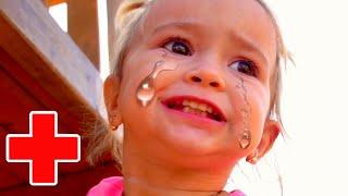 Boo boo story from Mia. Ребёнок как бэби бон лечит маму!