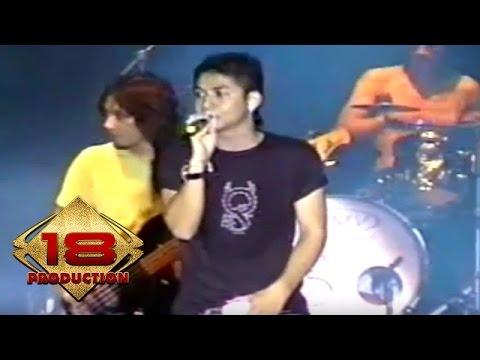 Ungu - Melayang  (Live Konser Singkawang 5 Juli 2006)