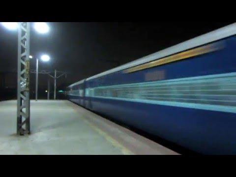 12163 Dadar Central - Chennai Egmore Super Fast Express At CLA!!!!!!