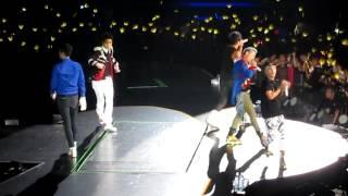 Video Bigbang Alive Tour SG 2012 FANTASTIC BABY download MP3, 3GP, MP4, WEBM, AVI, FLV Juli 2018