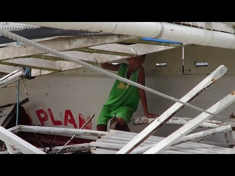 Typhoon Queenie Philippines View the Destruction of Boats in Bohol & 50% of Alona Beach Is Gone