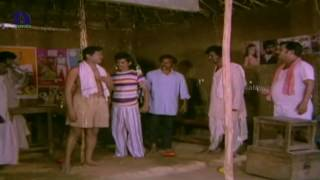 Repeat youtube video Rajendra Prasad, Bhanupriya Romance - Pavitra Telugu Movie Scenes