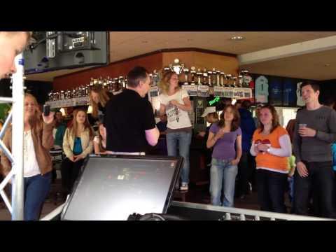 Karaoke bij VVJ Utrecht - licht, geluid en video door DJ Rick Music