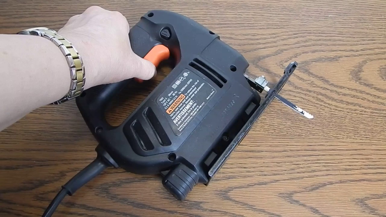 Black decker model 7552 type 2 single speed corded jig saw youtube black decker model 7552 type 2 single speed corded jig saw greentooth Image collections