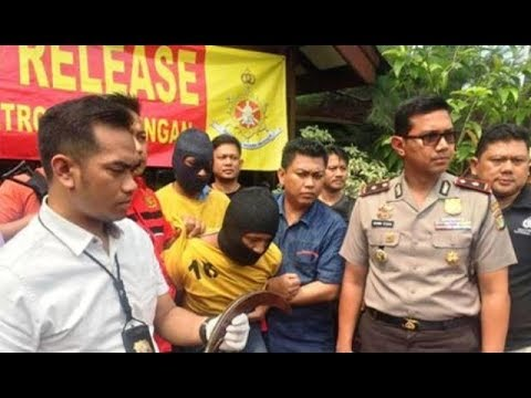 Polsek Penjaringan Diserang Pria Bergolok, Tembakan Dilepas Mp3