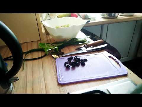 Как извлечь косточку из маслины