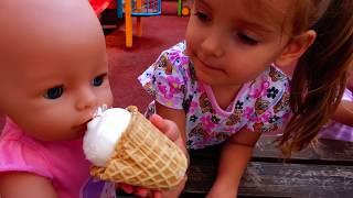 КАК МАМА Девочки играют в Куклы Пупсики Настя и Бьянка/ Baby Doll Nastya Pretend Play