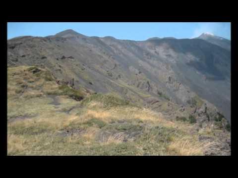 Etna La Valle del Bove.wmv