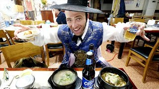 Manduguk KOREAN Dumpling Soup + Wearing Hanbok at Gyeongbokgung Palace | Seoul, South Korea