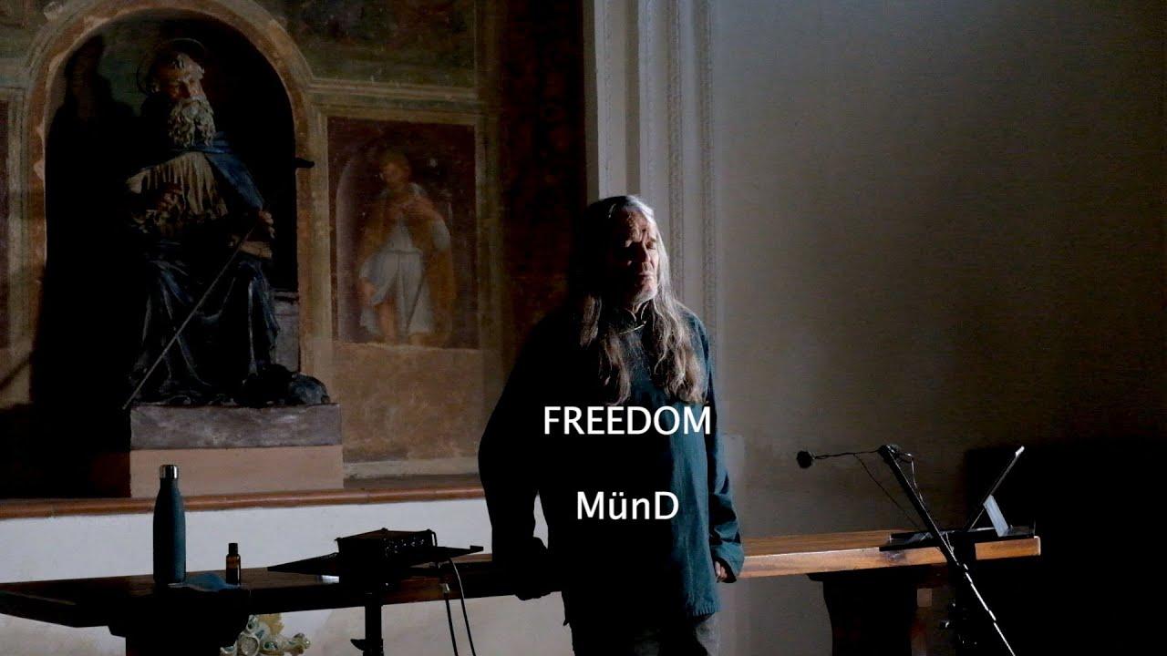 """Antony sings """"Freedom"""" in Sant´Antonio Abate in Deruta, 2020"""