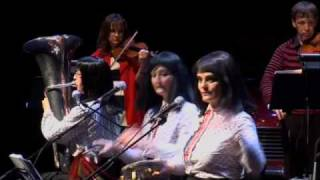 Topology and the Kransky Sisters - highlights from the live show