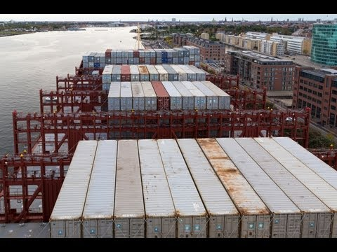 On board the Majestic Maersk (400m) World´s largest ship 25.09.2013