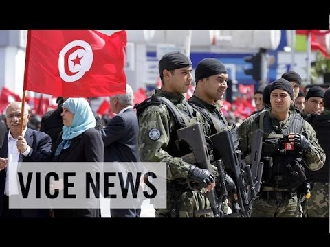 VICE News Daily: Thousands March Against Extremism in Tunisia