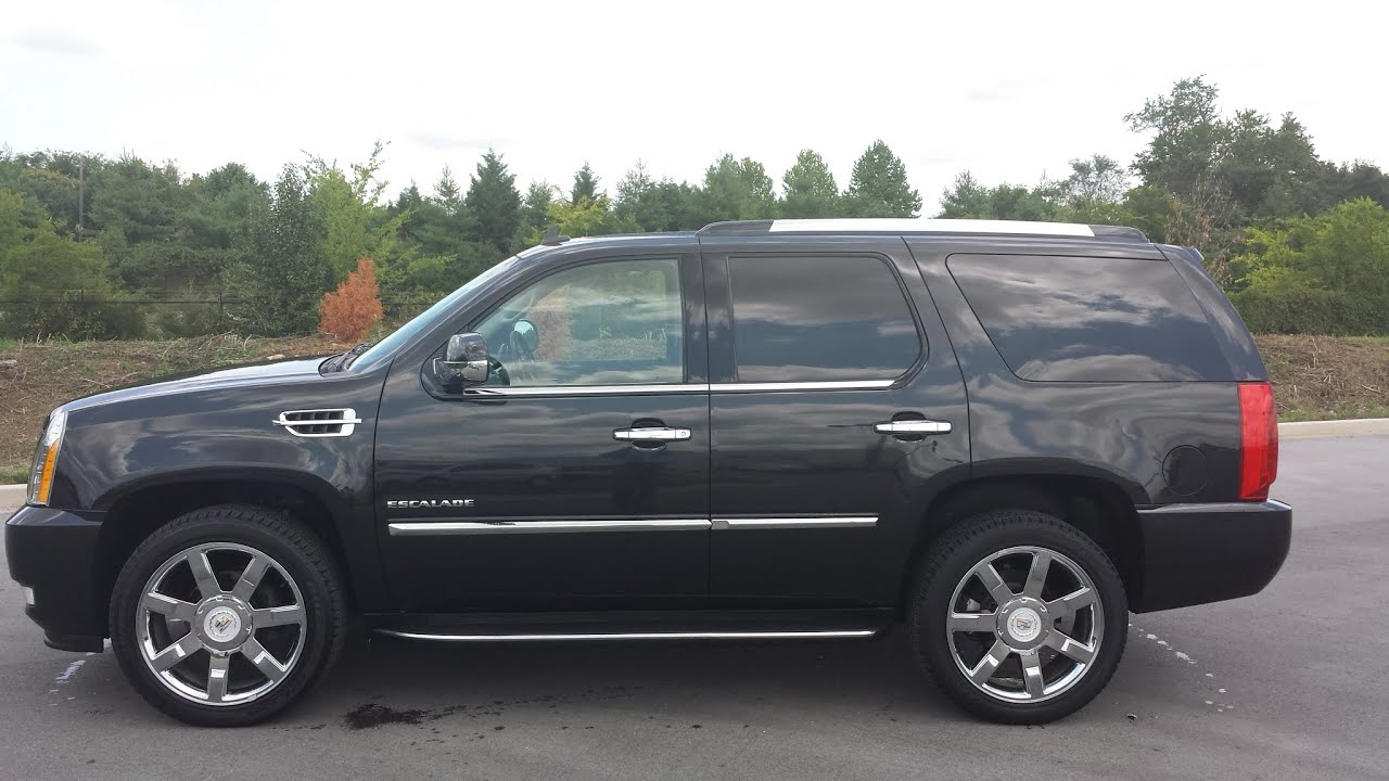 sold.2011 CADILLAC ESCALADE AWD 8 PASSENGER 1 OWNER BLACK ...