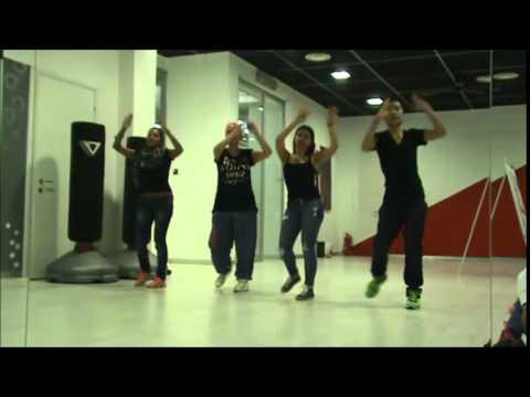 3°Video FlashMob di TorinoShoppinGlam per i negozi di Torino - Happy Pharell Williams