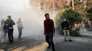 Anti-government protests grow more violent in Iran