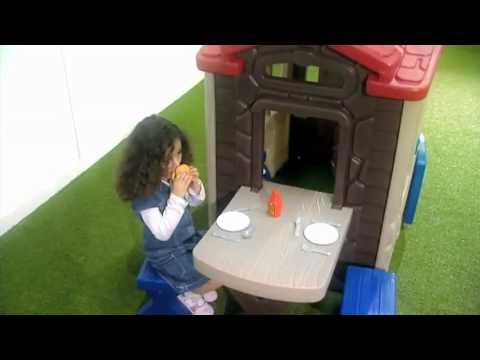 Little Tikes Picnic On The Patio Playhouse