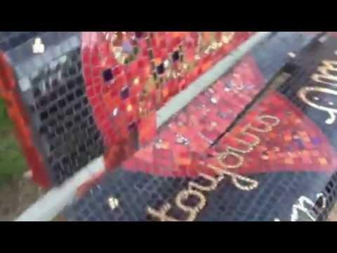 Mosaïque banc public à Bressuire dans les deux sèvres