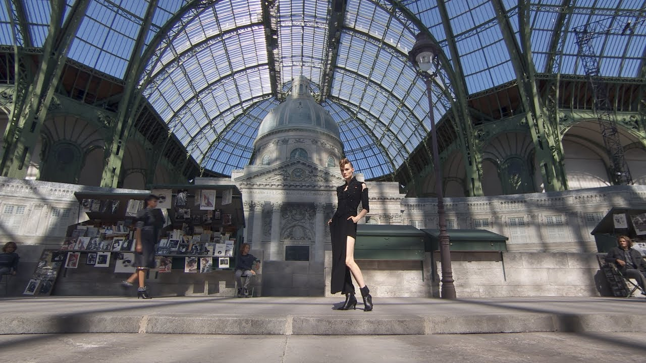 The Fall-Winter 2018/19 Haute Couture Show — CHANEL 3