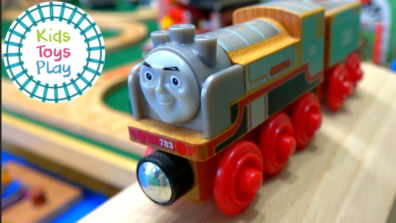 Thomas and Friends Wooden Track Build | Sodor Search and Rescue Center