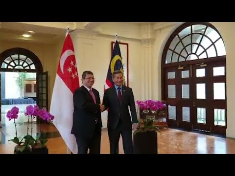 Malaysia, Singapore foreign ministers meet over bilateral matters