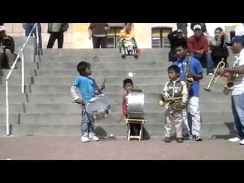 Banda De Niños Tocando Arriba Pichataro Youtube