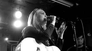 Megan Louise - 'Devil's Backbone' - Live in Manchester 08/11/19