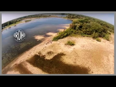 Metal Detecting Ontario Canada's Lost Village Submerged Under The St-Lawrence!