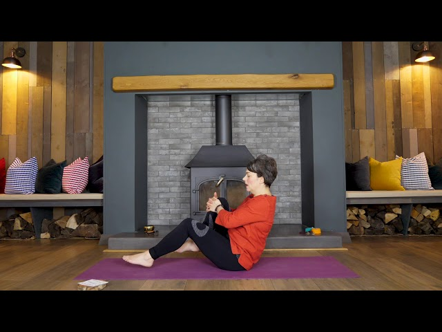 Holiday Yoga Series | 2 | Navasana Sequence