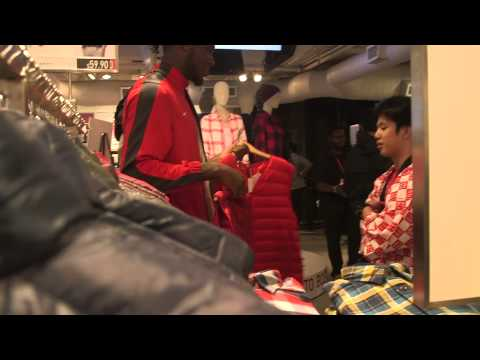 2015 08 21 SIS Red Sox Scholars Back to School Shopping at UNIQLO V2